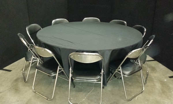 10 Seats Around 1.8 Diameter Round
