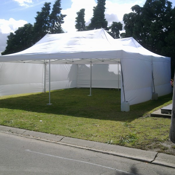 8m x 8m Marquee Set Up